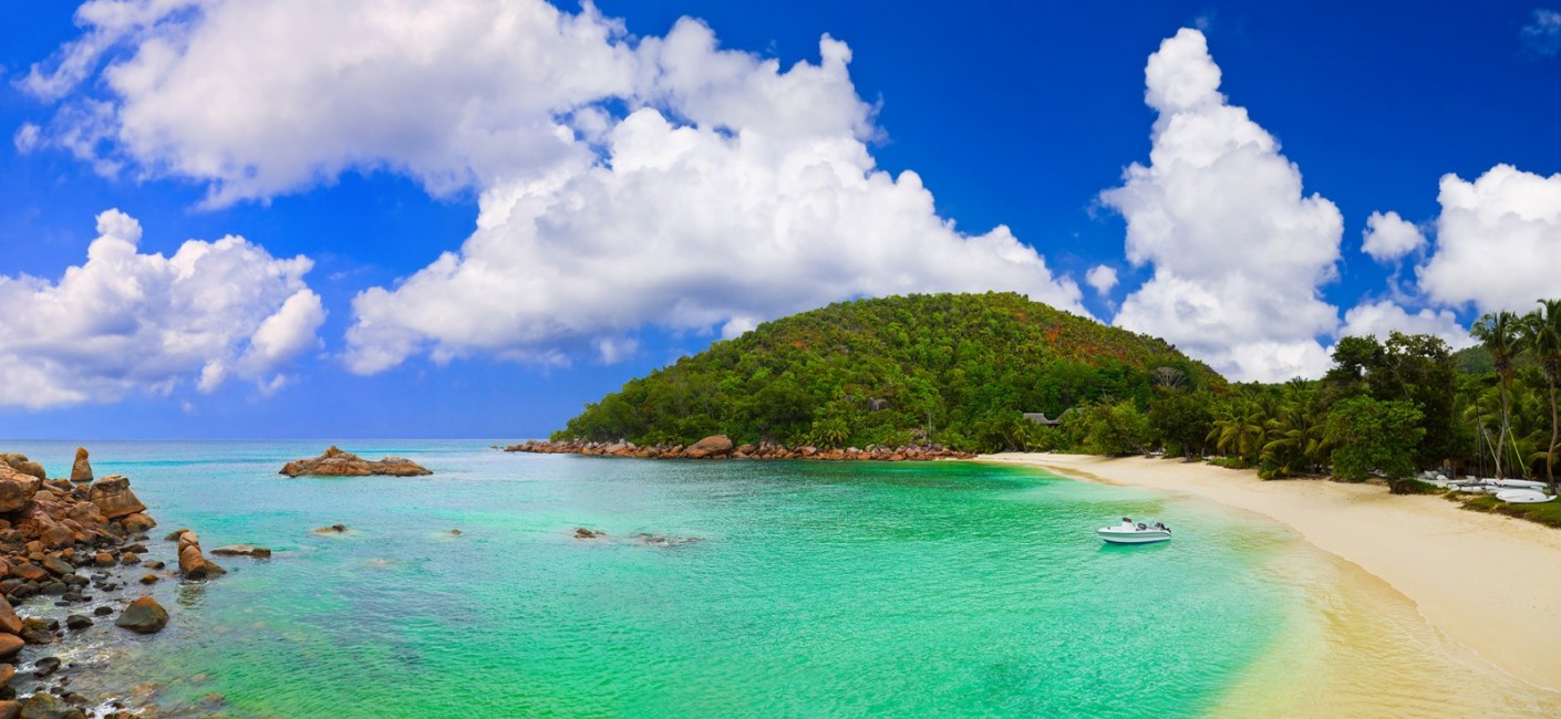 Flights to Praslin with Air Seychelles